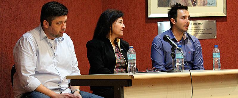 Acadêmicos de comunicação discutem empreendedorismo no Emprecom 2014